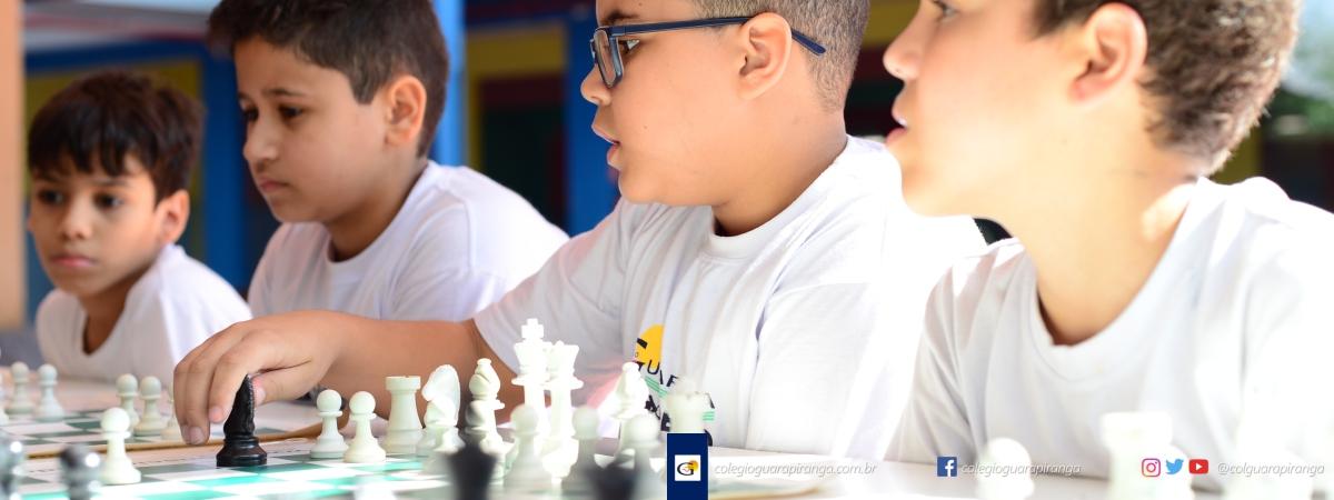 <p>Srs. Pais, Os benefícios da prática do Xadrez estão mais uma vez ao alcance dos alunos do Colégio Guarapiranga. Este projeto é voltado exclusivamente&nbsp;para as turmas do 3º&nbsp;ano&nbsp;do Ensino Fundamental, passando pelas turmas de 6º ao 9º ano, até as turmas do Ensino Médio.&nbsp; A participação é gratuita, contudo são [&hellip;]</p>